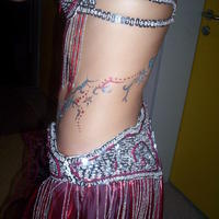Hastáncos csillámos testfestés - glitter tattoo on belly dancer