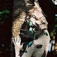 Tree hugger bodypainting