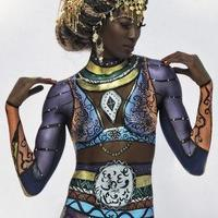 The queen bodypainting